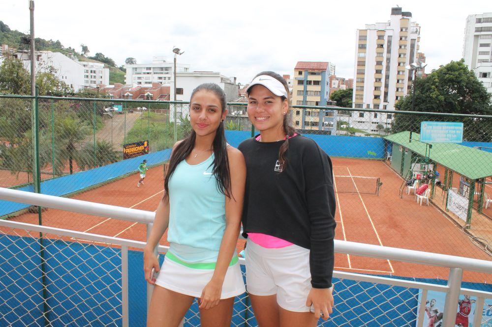 Manuela Hernández y Sofía Múnera.